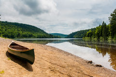 The canoe and the lake in the park Stock Photography