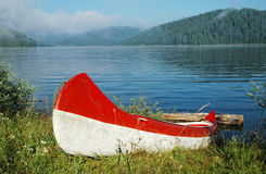 Canoe near the lake Royalty Free Stock Image