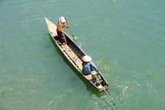 Canoe no rio Mekong na ilha de Don Khong foto de stock royalty free