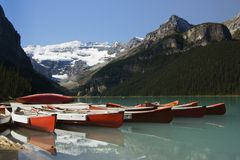 Canoe su Lake Louise Fotografie Stock