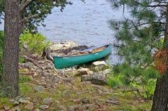 Canoeing в границе мочит зону каное Стоковые Фотографии RF