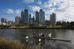 Canoeing auf dem Yarra-Fluss, Melbourne, im September 2013 Stockfotos