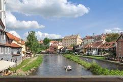 Canoeing bei Cesky Krumlov, Tschechische Republik lizenzfreies stockfoto