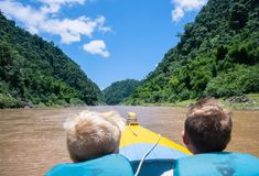 Canoeing de Navua-Rivier: Fiji royalty-vrije stock foto