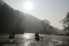 Canoeing in de wildernis Royalty-vrije Stock Foto's