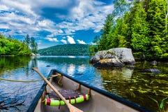 Canoeing em Canadá Foto de Stock
