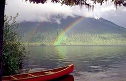 Canoeing i laghi del bowron Fotografia Stock Libera da Diritti