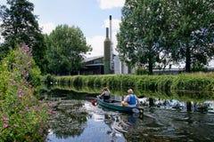 Canoeing langs het Kanaal van Exeter Stock Foto