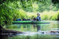 Canoeing mit Hindernissen lizenzfreie stockfotos