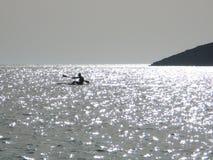 Canoeing nel mare Immagini Stock Libere da Diritti