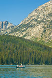 Canoeing nos tetons grandes Imagens de Stock Royalty Free