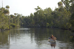 Canoeing Rivier royalty-vrije stock foto