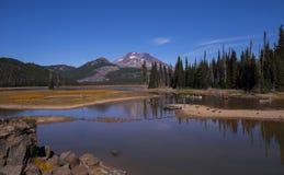 Canoeing sul lago sparks Immagini Stock