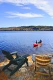 Canoeing sur le lac Images libres de droits