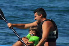 Canoeing van de familie Royalty-vrije Stock Afbeelding