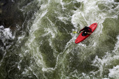 Canoeing van de stroomversnelling Stock Afbeelding