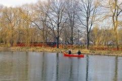Canoeists della sorgente Immagini Stock