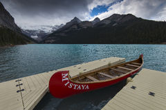 Canoes at Lake Louise Royalty Free Stock Images