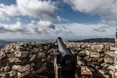 Canon ad Eagle Castle, Gaucin, Spagna Fotografia Stock Libera da Diritti