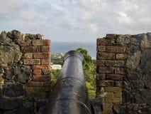 Canon au-dessus de la ville Photos stock
