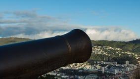 Canon au-dessus de Wellington image libre de droits