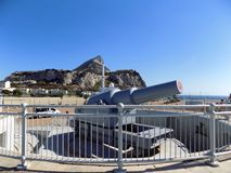 Canon batteri i Europa punkt-Gibraltar Arkivfoton