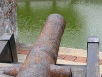Canon colonial de bronze d'ère image libre de droits