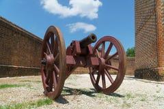 Canon dans le fort Images stock