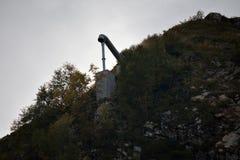 Canon de la avalancha en la montaña Imagen de archivo