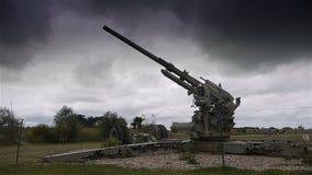 Canon del museo del día D de la playa de Utah, Normandía Francia almacen de metraje de vídeo