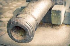 Canon en bronze antique cassé rayé Photographie stock