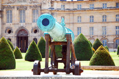 Canon. In front of Les Invalides, officially known as L'Hôtel national des Invalides Stock Photo
