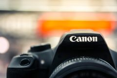 Canon-Kamera-Logo Closeup Model Display New-Fotografie Equipmen Lizenzfreie Stockbilder