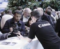 Canon kundomsorg bemannar royaltyfria bilder