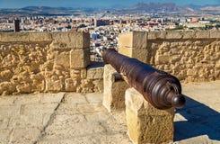 Canon médiéval sur le dessus de Santa Barbara Castle dans Alicante, Espagne Photo libre de droits