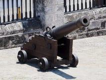 Canon på museet i Kuba Royaltyfri Fotografi