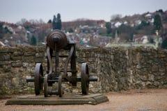 Canon que protege la ruina del castillo de Rochester, apenas exterior Londres, Inglaterra Reino Unido Fotos de archivo libres de regalías