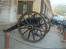 Canon in STADSpaleis - Roze stad van JAIPUR stock afbeelding