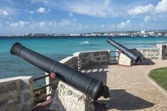 Canoni che affrontano fuori al mare, punto Barbados di Needhams Fotografie Stock Libere da Diritti