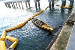 Canoo auf Wasser in Miami lizenzfreie stockfotos