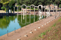Canopo with statues at Villa Adriana at Roma Stock Photos
