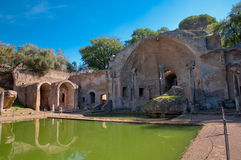 Canopo und grotta am Landhaus Adriana in Rom Stockfotos