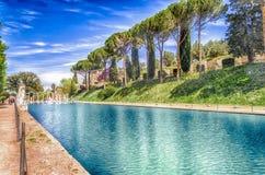 Canopus, antyczny basen w willi Adriana, Tivoli, Włochy fotografia stock