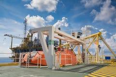 Canot de sauvetage, bateau de Rescure à l'huile et industrie du gaz pour la réponse de secours dans la plate-forme de pétrole et  photographie stock libre de droits