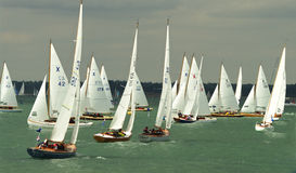 Canot emballant à la semaine 2010 2 de cowes Photos libres de droits