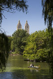 Canotage dans le Central Park Images stock