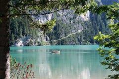 Canotaje de Braies del lago Fotos de archivo libres de regalías