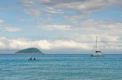 Canotaje en el mar Fotos de archivo libres de regalías
