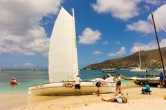 Canots arrivant pour une course dans les Caraïbe Photographie stock libre de droits