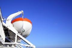 Canots de sauvetage sur un bateau de croisière Photo libre de droits